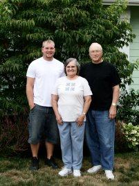 Sean, Oma, Grandpa
